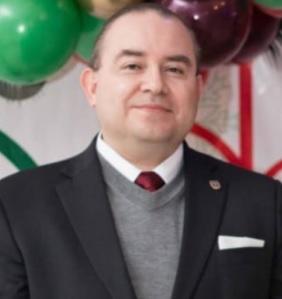 Dr. Roberto Castro Pérez